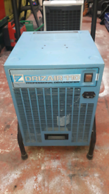 DEHUMIDIFIER (DRIZAIR ) 240 volt POWERFUL PUMPOUT