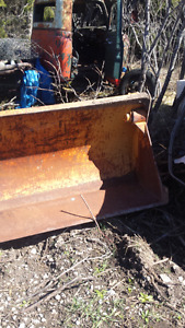 clam bucket to fit 580 case backhoe