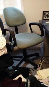 COMPUTER CHAIR TILT AND SWIVEL WITH ARMS