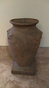 ANTIQUE Large TERRACOTTA VESSEL/URN/VASE  from 18th century wit