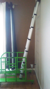10 1/2' Telescopic ladder and base on wheels