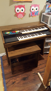 Lowrey Electric Organ Matching Bench $50