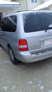 2005 kia  Van, very good running engine and transmission, $2000