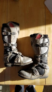 Dirtbike Boots Mens Size 6 Fox (good shape)