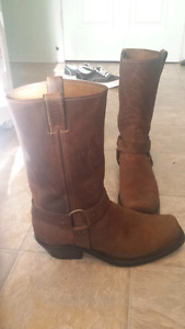 Brand new Boulet Rcollection boots