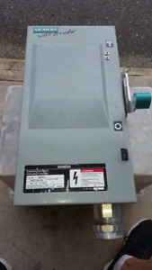 Seimans 60 amp 3 pole breaker box