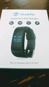 Smart watch ***FIRST $25 TAKES IT***