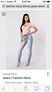 NEW WITH TAGS SEXY SKINNY JEANS FROM FASHION NOVA SIZE9/10