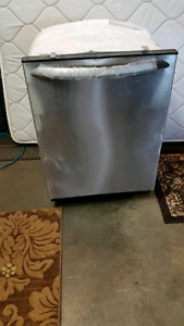 Brand new Frigidaire Dishwasher (Small dent)