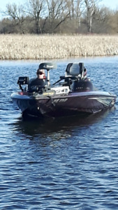 2001 Sprint DC PRO 290 Bass Boat For Sale
