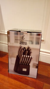 BRAND NEW 15 piece Knife set