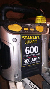 Stanley jumping and 600 battery 300 amp