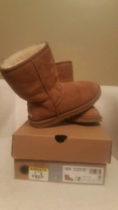 Boots UGG Originals #7 not new!!