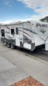 2014 Puma 19RL travel Trailer