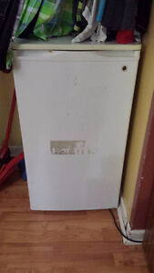 General Electric Mini Fridge+Chiller! WANT SOLD TODAY!