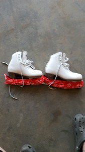 Riedell junior figure skates