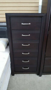 6 drawer chest - Delivery Available