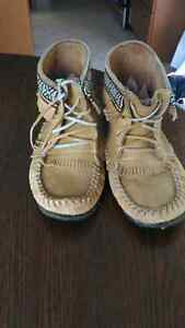 Reduced Moccasins size 8 Softmoc leather
