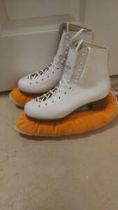 Girls size 6 figure skates for sale