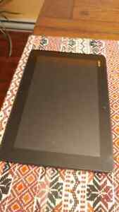 Tablet - Asus TF300t - with standing case and charging cable Gatineau Ottawa / Gatineau Area image 2