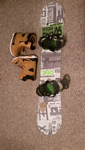 Gnu snowboard with Gnu Argo bindings and men's 10.5 Nike boots