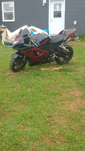 04 gsxr 750 $4000 obo trades welcome