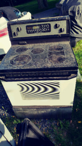 Lightly used whirlpool electric oven