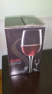 Set of 4 port glasses like new with box