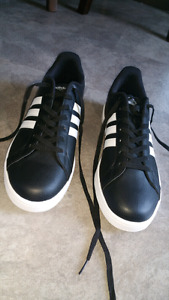 Men's Adidas Neo Advantage sneakers size 12