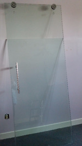 Porte de douche coulissante/Glass shower door