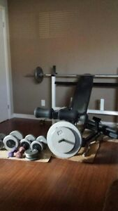 ensenble d'exercise bench press + poid libre