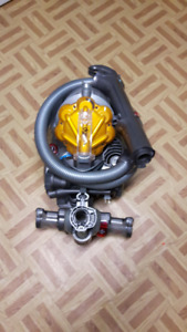 DC21 Stowaway Dysan Canister vacuum
