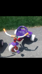 Dora tricycle great condition!!