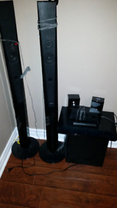 1000 watt.Sony bluray home theatre.$200.