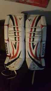 "Vaughn goalie pads 30"" + 1 Stratford Kitchener Area image 2"