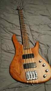 Washburn Force ABT 4 String bass