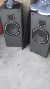 100 watt techsonics older but clear sound good condition for age