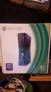 Xbox 360 slim with Kinect and games