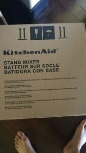 Brand New KitchenAid Artisan Design Series 5 Mixer
