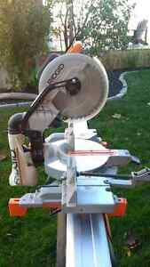 "Miter Saw - 12"" RIDGID Compound Miter Saw (Saw Stand Available) Kitchener / Waterloo Kitchener Area image 3"
