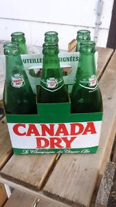 Vintage 6 pack carrier & bottles