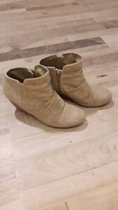 Cute Call it Spring brand boots size 7.5!!