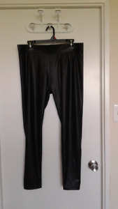 New Ladies Pleather Pants in Excellent Condition