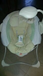 Fisher Price Baby Papasan Baby Craddle Seat Kitchener / Waterloo Kitchener Area image 1