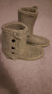 Knit knock off Uggs Size 9