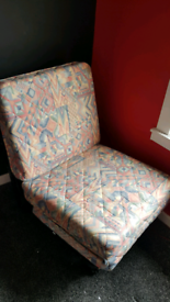 CHAIR / GUEST BED