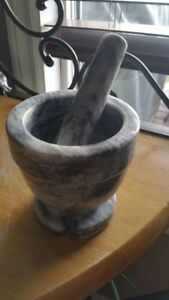 Mortar & Pestle Marble (New)