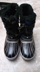 Girls size 3 winter boots