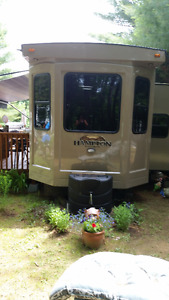 2014  40' HAMPTON CROSSROADS PARK MODEL FOR SALE