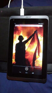 Acer Iconia  B1-720 tablet barely used